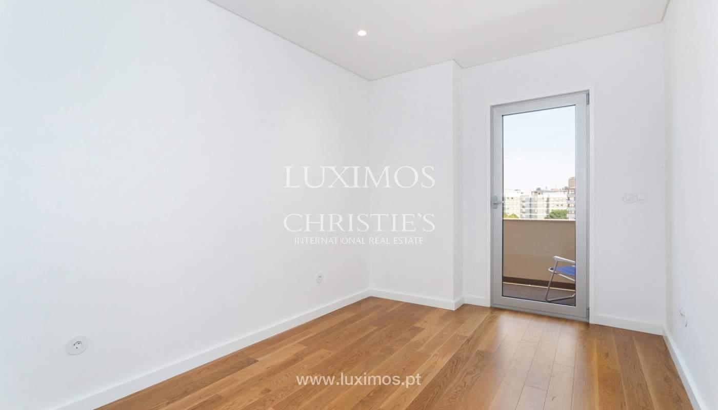 Apartment with balcony and terrace, for sale, in Boavista, Porto, Portugal_176555
