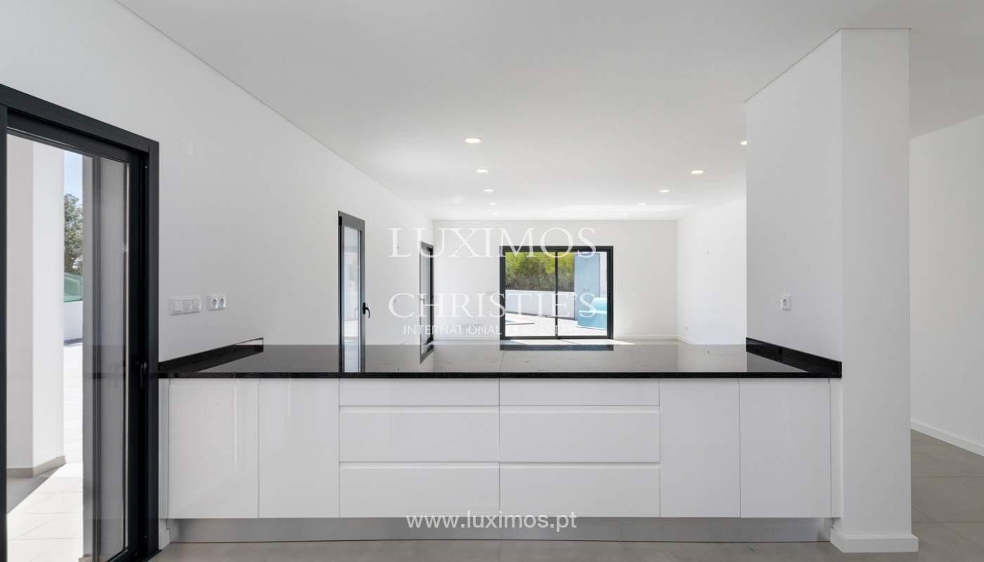 Se vende villa de 4 habitaciones con vista al mar, S. Bartolomeu, Castro Marim, Algarve_177202