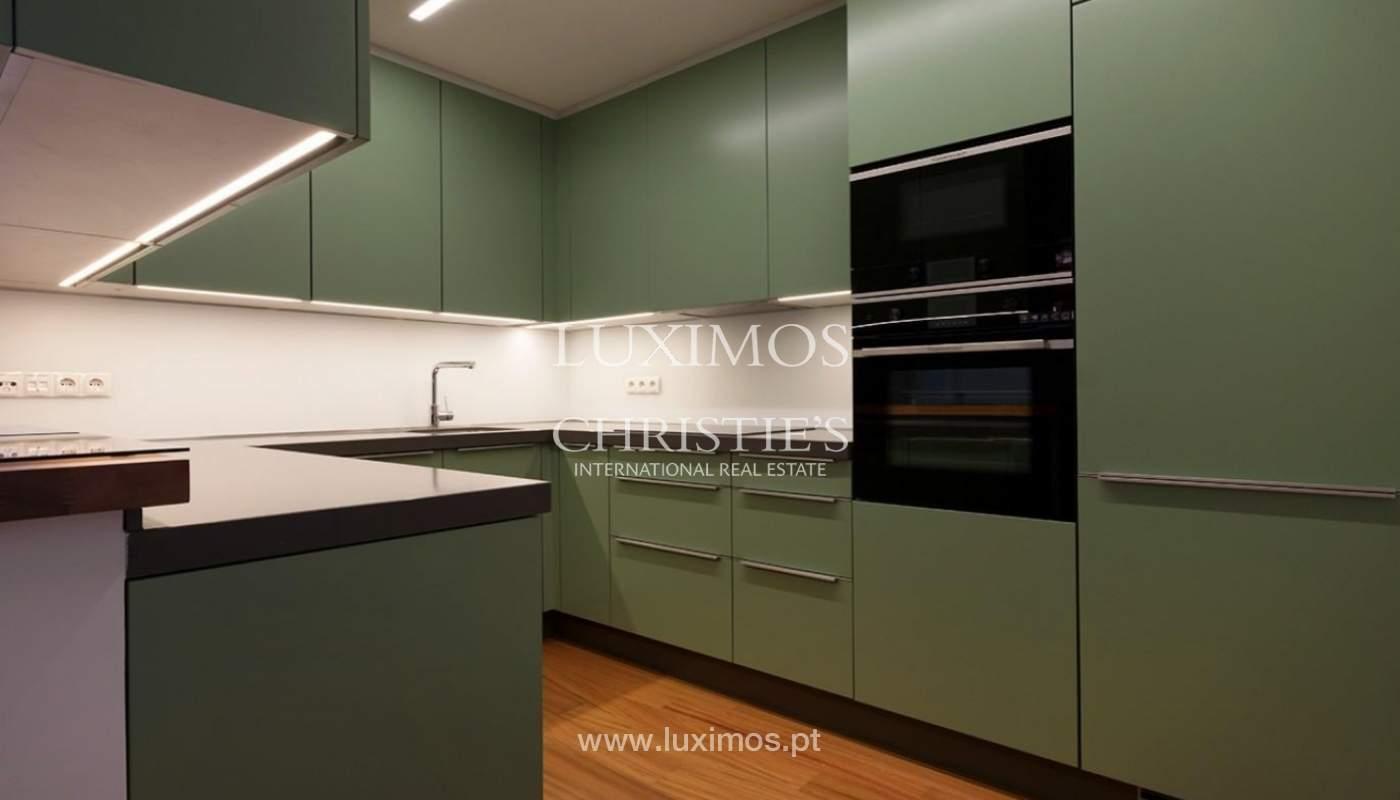 Apartamento moderno con acabados de lujo en el centro de Porto, Portugal_177233