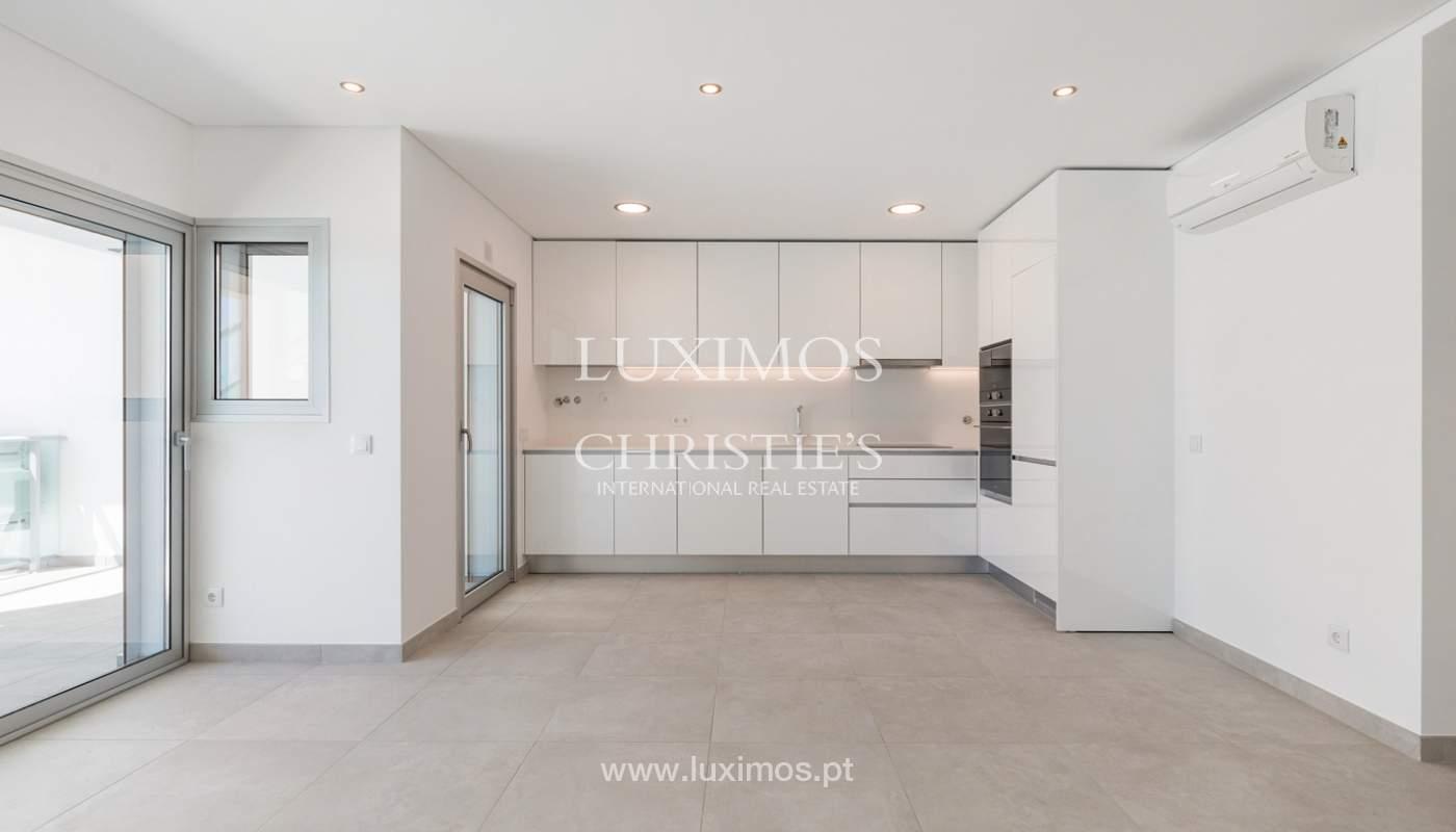 Moderno apartamento de 2 dormitorios, con vista al mar, Albufeira, Algarve_178547