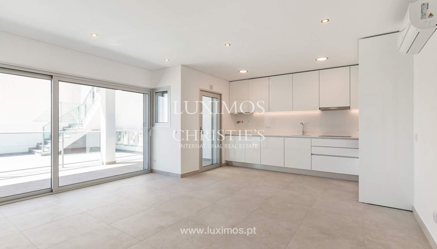 Moderno apartamento de 2 dormitorios, con vista al mar, Albufeira, Algarve_178548