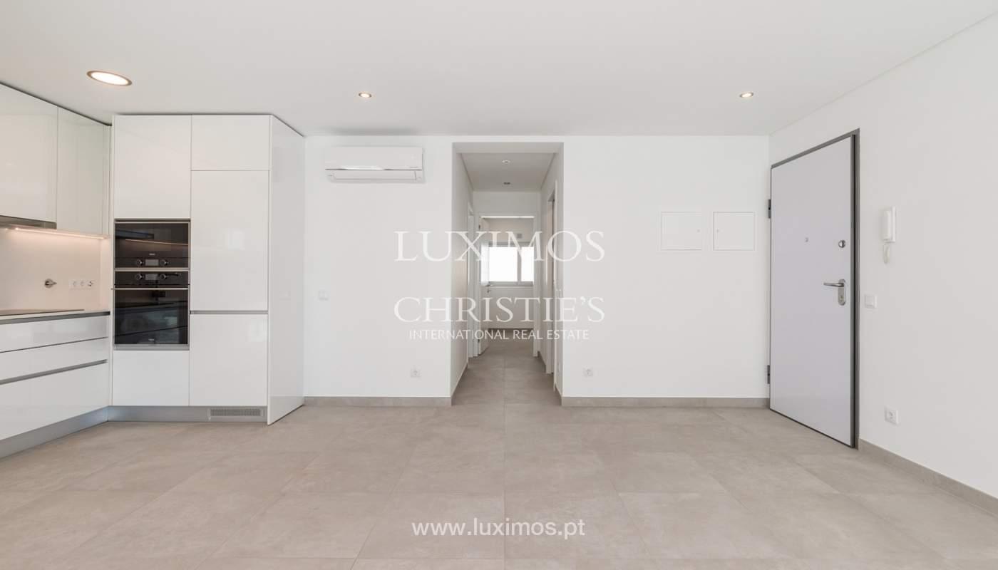 Moderno apartamento de 2 dormitorios, con vista al mar, Albufeira, Algarve_178551