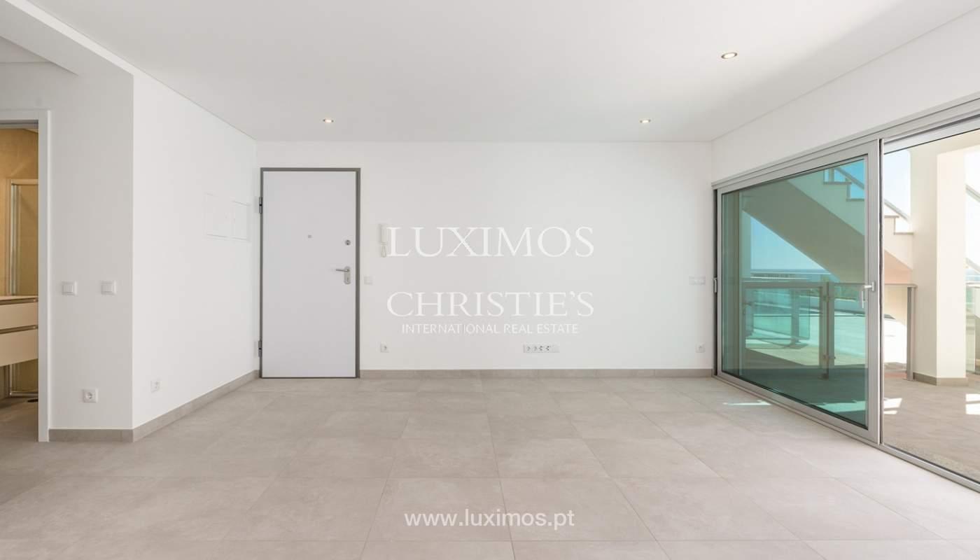 Moderno apartamento de 2 dormitorios, con vista al mar, Albufeira, Algarve_178555