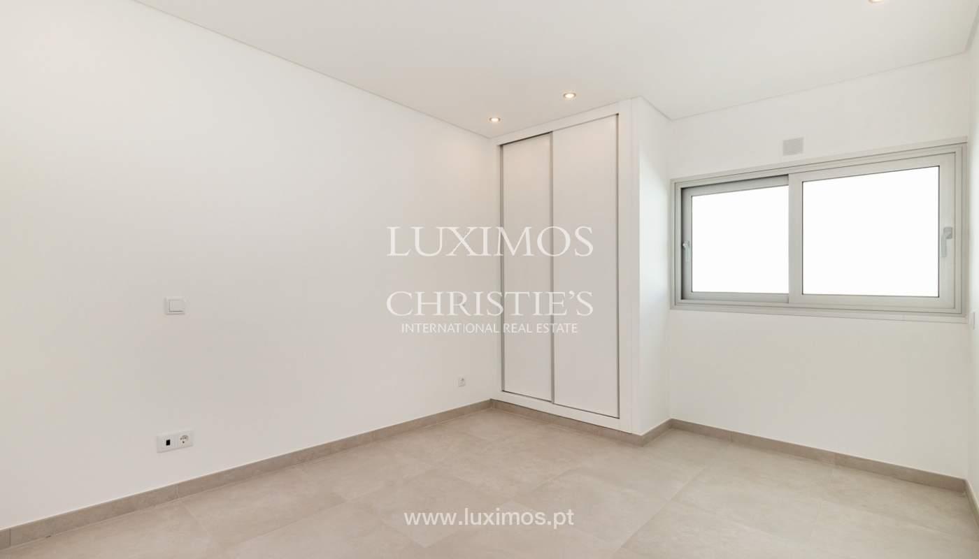 Moderno apartamento de 2 dormitorios, con vista al mar, Albufeira, Algarve_178560