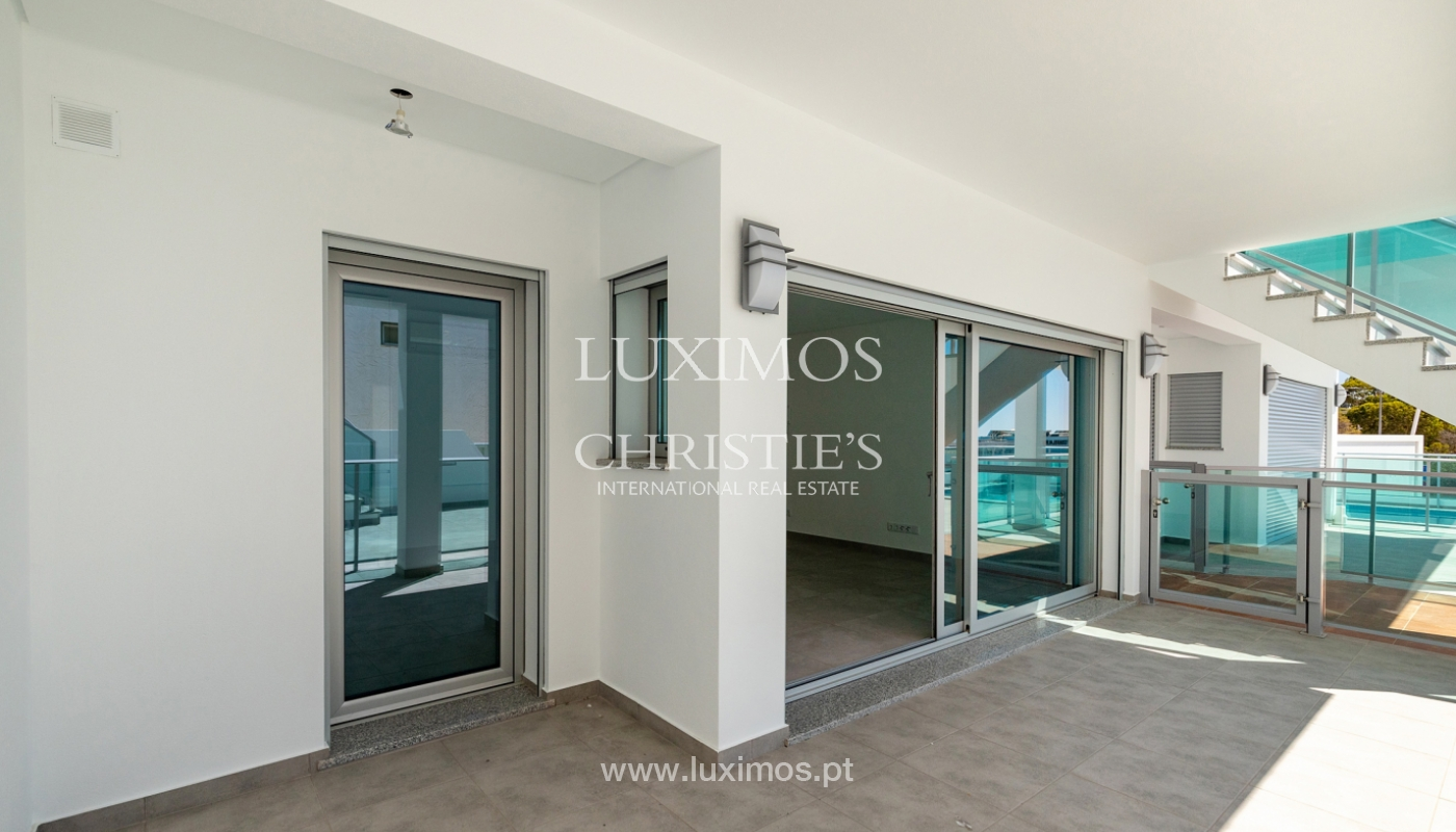 Moderno apartamento de 2 dormitorios, con vista al mar, Albufeira, Algarve_178571