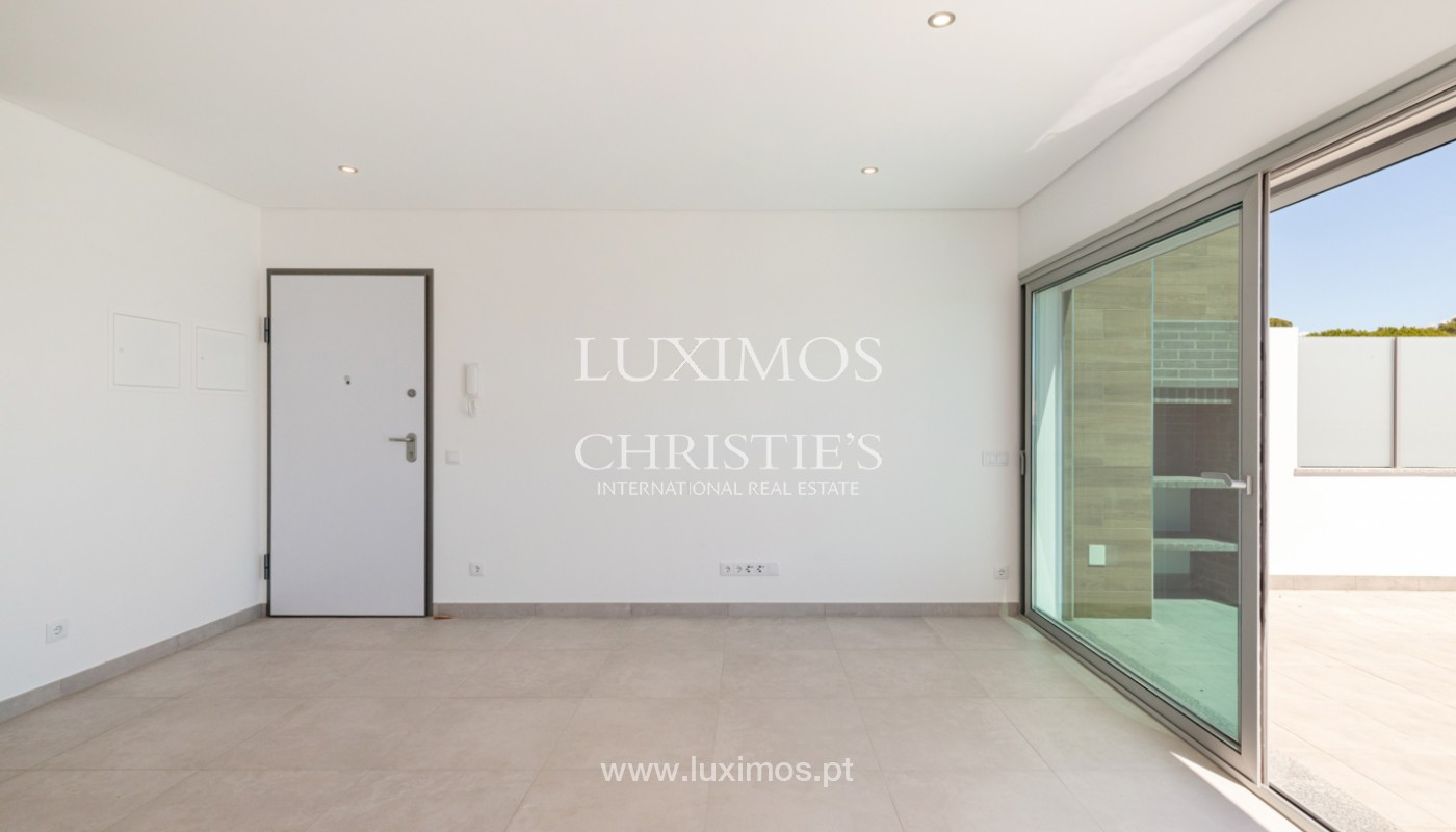 Moderno apartamento de 2 dormitorios, con vista al mar, Albufeira, Algarve_179139