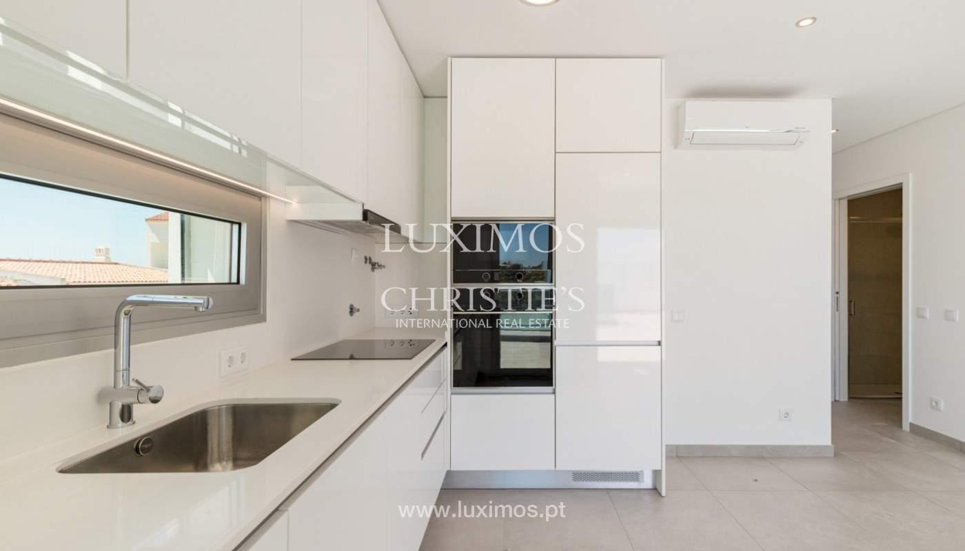 Moderno apartamento de 2 dormitorios, con vista al mar, Albufeira, Algarve_179146