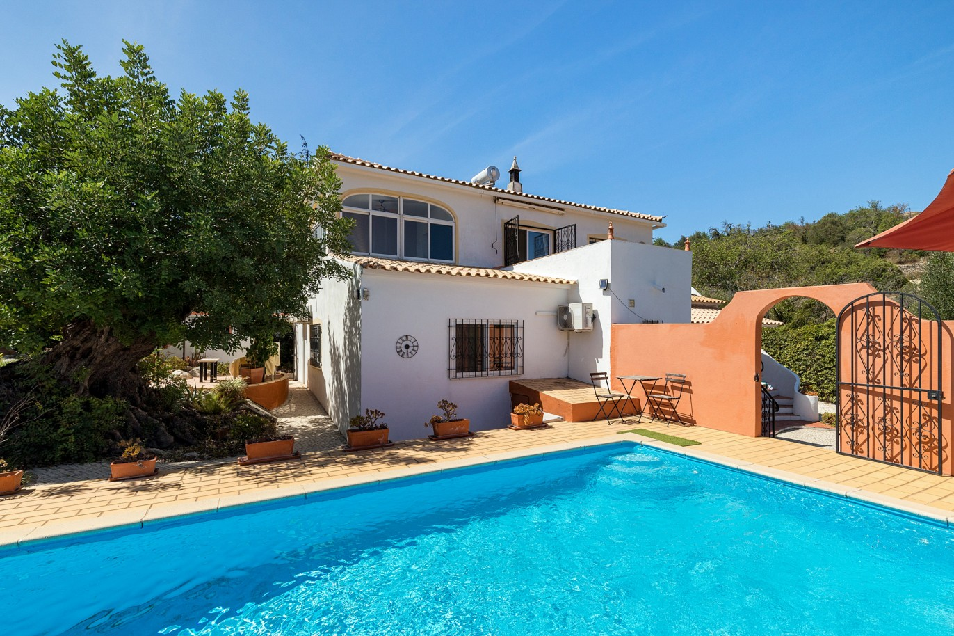 picturesque-4-bedroom-villa-with-country-hillside-views-loule-algarve