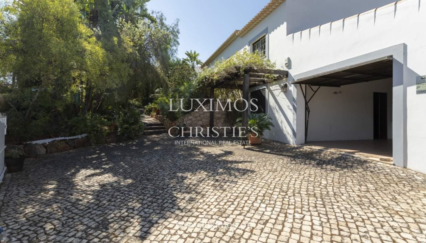 Venda de moradia com piscina e jardim em Alvor, Algarve_179720