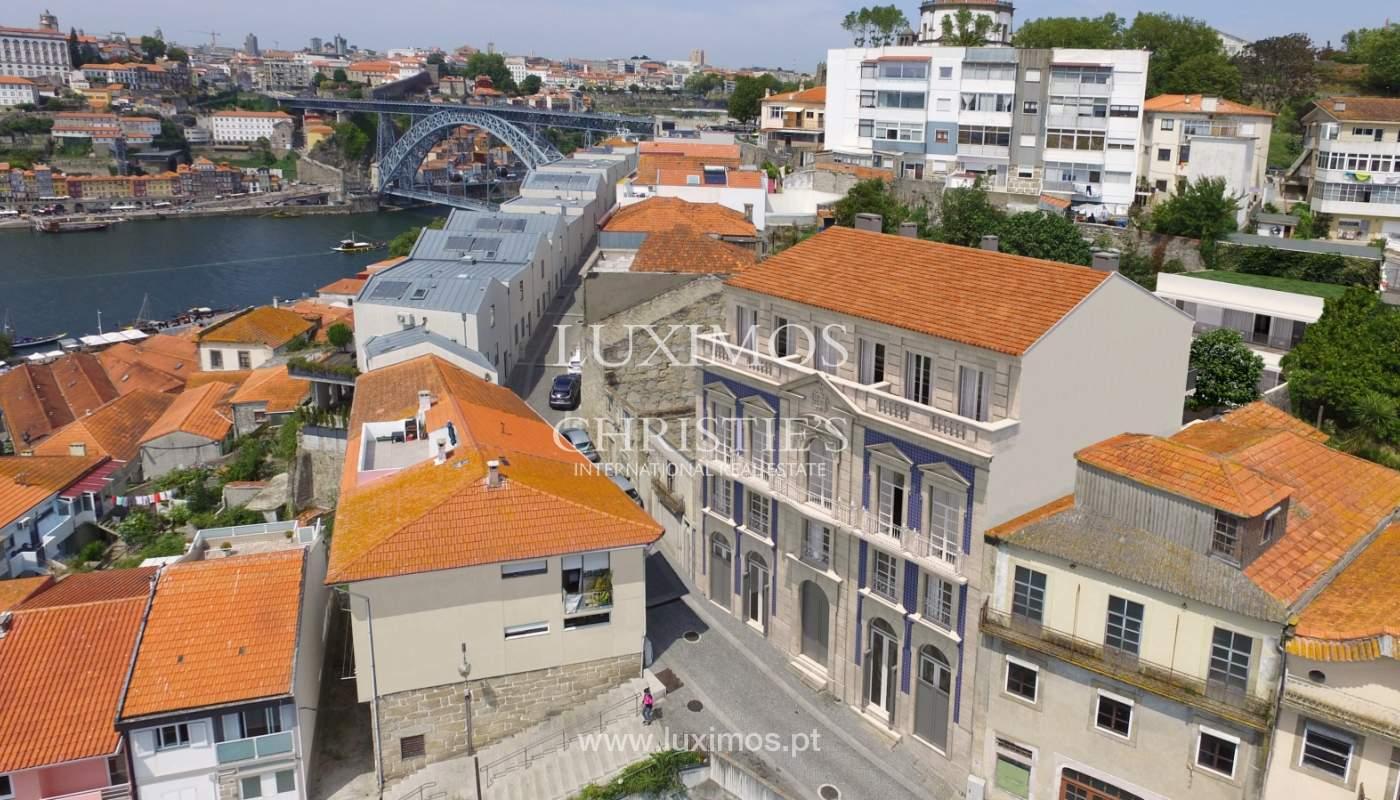 Piso nuevo con altillo y balcón, en venta, en V. N. Gaia, Portugal_179892