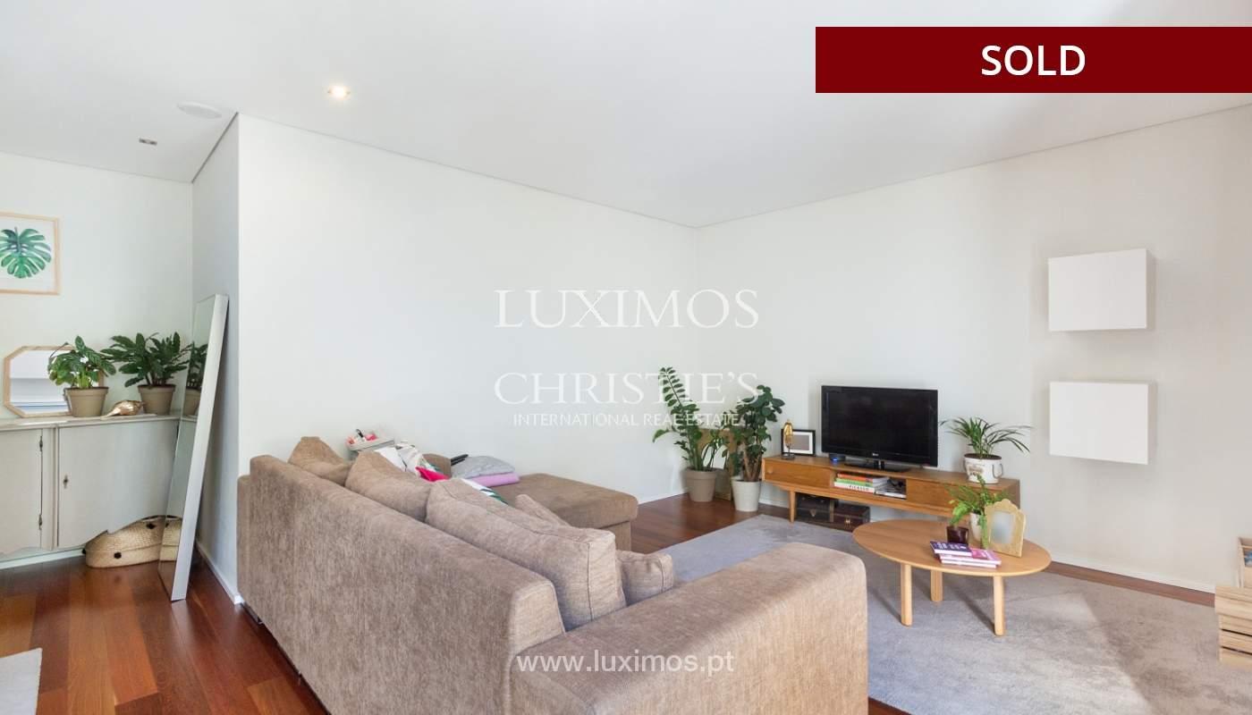 3-Zimmer-Wohnung mit Fluss- und Meerblick, zu verkaufen, in Lordelo do Ouro, Porto, Portugal_180048