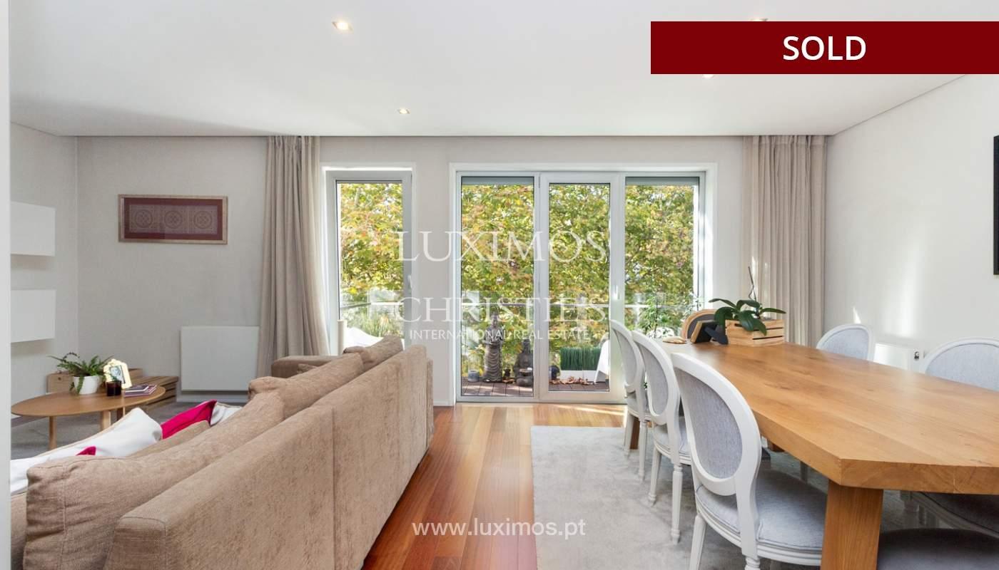 3-Zimmer-Wohnung mit Fluss- und Meerblick, zu verkaufen, in Lordelo do Ouro, Porto, Portugal_180049