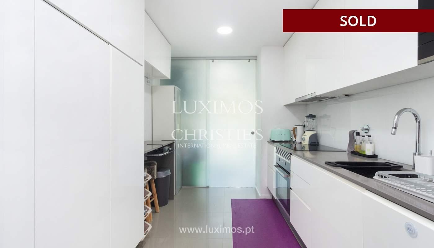 3-Zimmer-Wohnung mit Fluss- und Meerblick, zu verkaufen, in Lordelo do Ouro, Porto, Portugal_180050