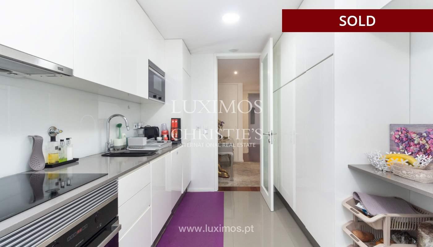 3-Zimmer-Wohnung mit Fluss- und Meerblick, zu verkaufen, in Lordelo do Ouro, Porto, Portugal_180051
