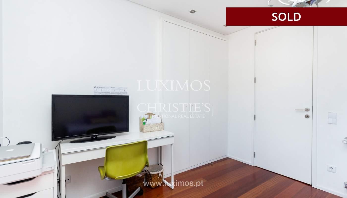 3-Zimmer-Wohnung mit Fluss- und Meerblick, zu verkaufen, in Lordelo do Ouro, Porto, Portugal_180055