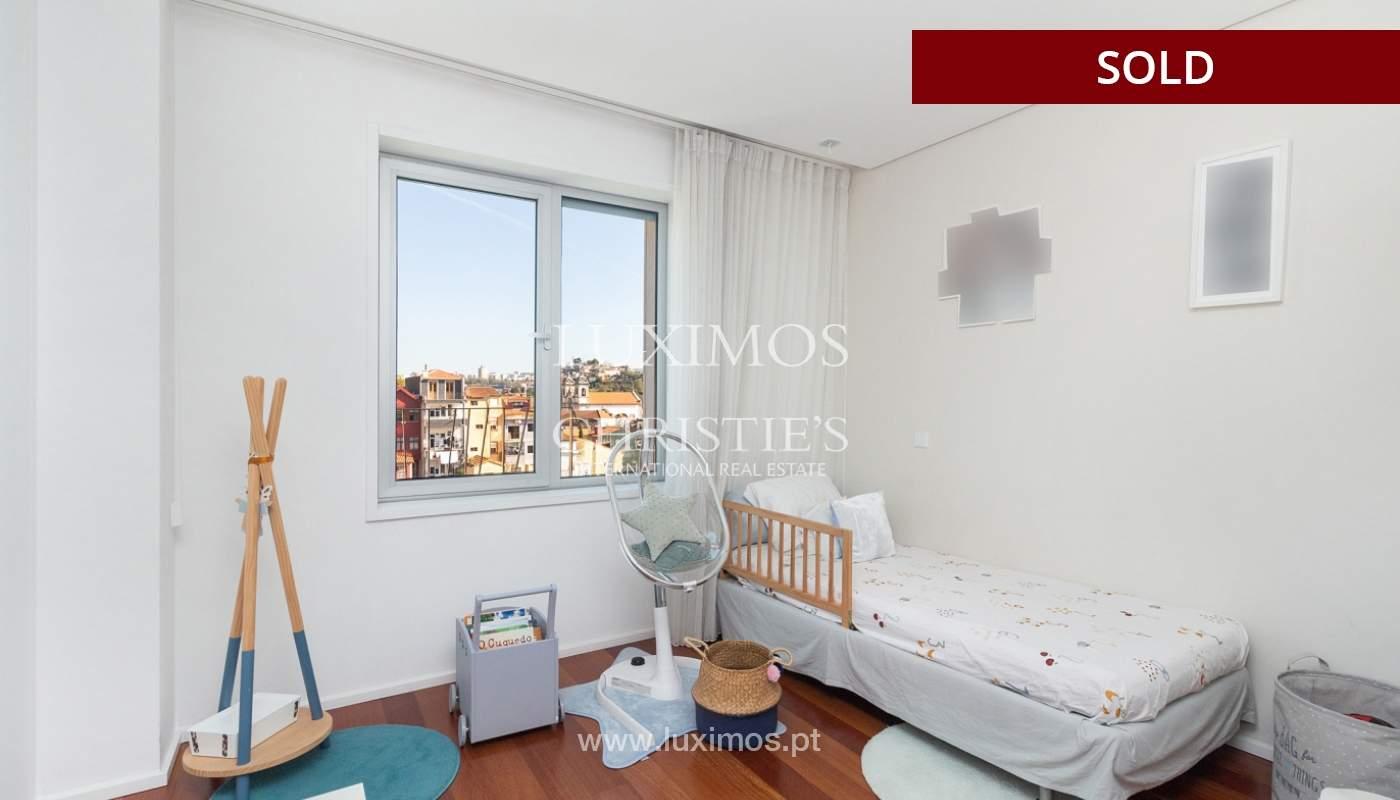 3-Zimmer-Wohnung mit Fluss- und Meerblick, zu verkaufen, in Lordelo do Ouro, Porto, Portugal_180056
