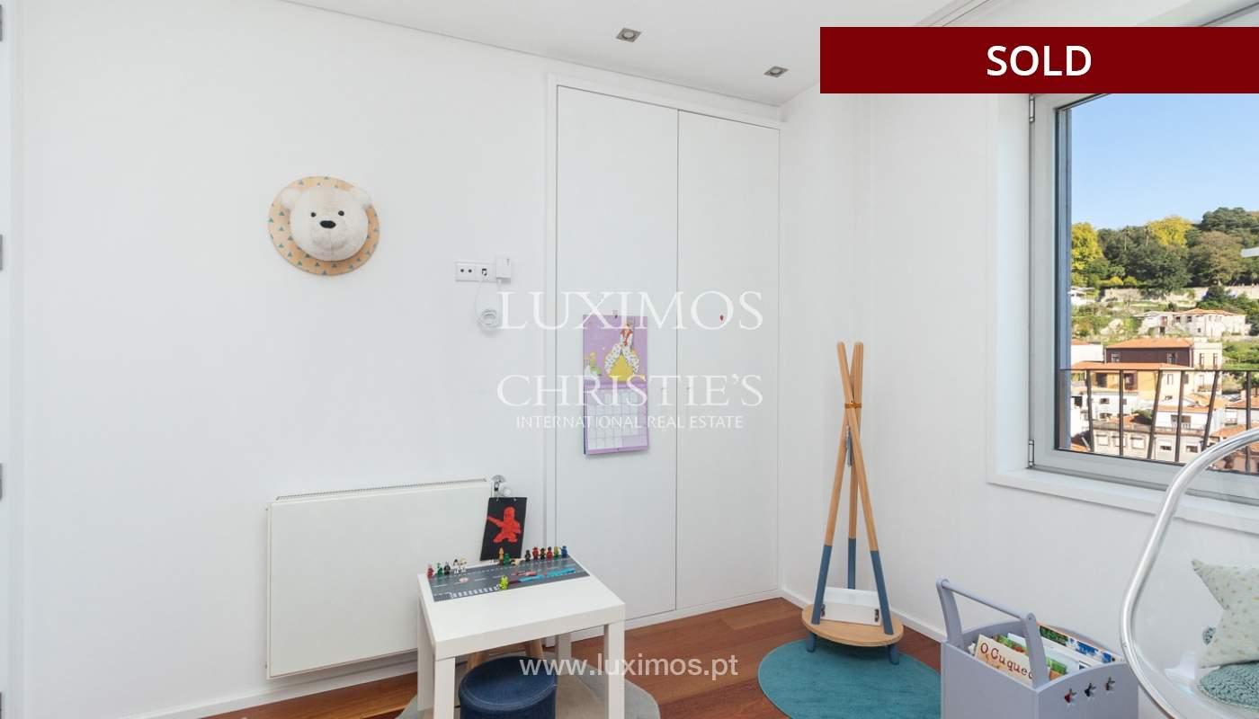 3-Zimmer-Wohnung mit Fluss- und Meerblick, zu verkaufen, in Lordelo do Ouro, Porto, Portugal_180057