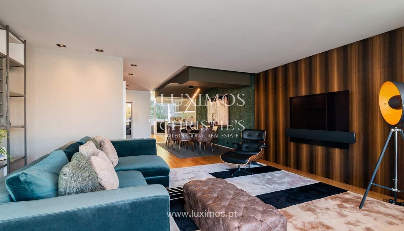 Sale of luxury apartment with river views, V. N. Gaia, Porto, Portugal_180205