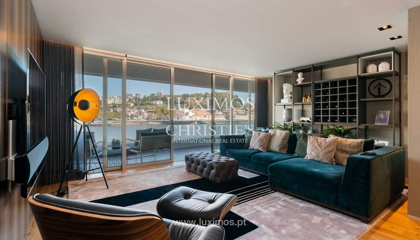 Sale of luxury apartment with river views, V. N. Gaia, Porto, Portugal_180207