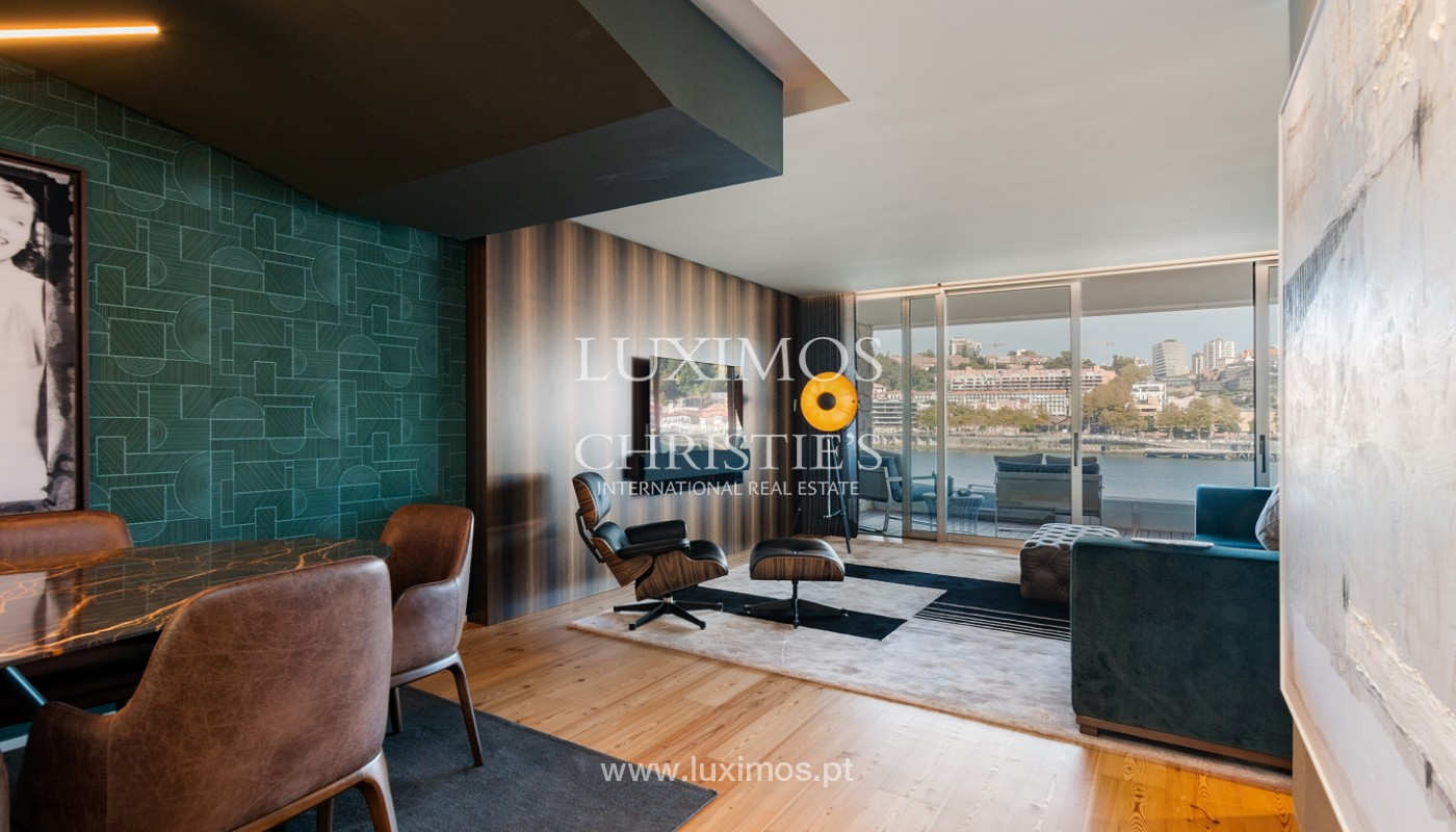Sale of luxury apartment with river views, V. N. Gaia, Porto, Portugal_180208