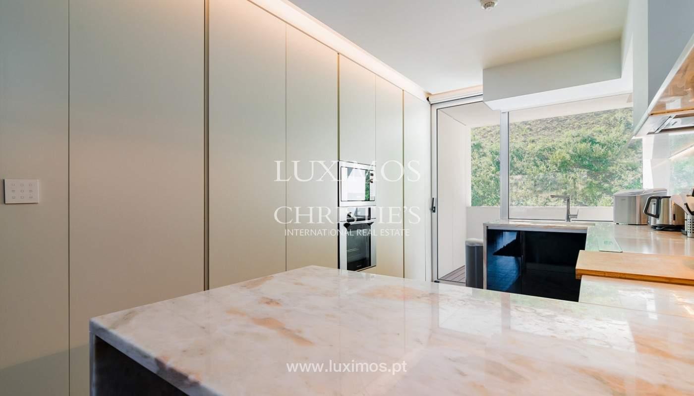 Sale of luxury apartment with river views, V. N. Gaia, Porto, Portugal_180209