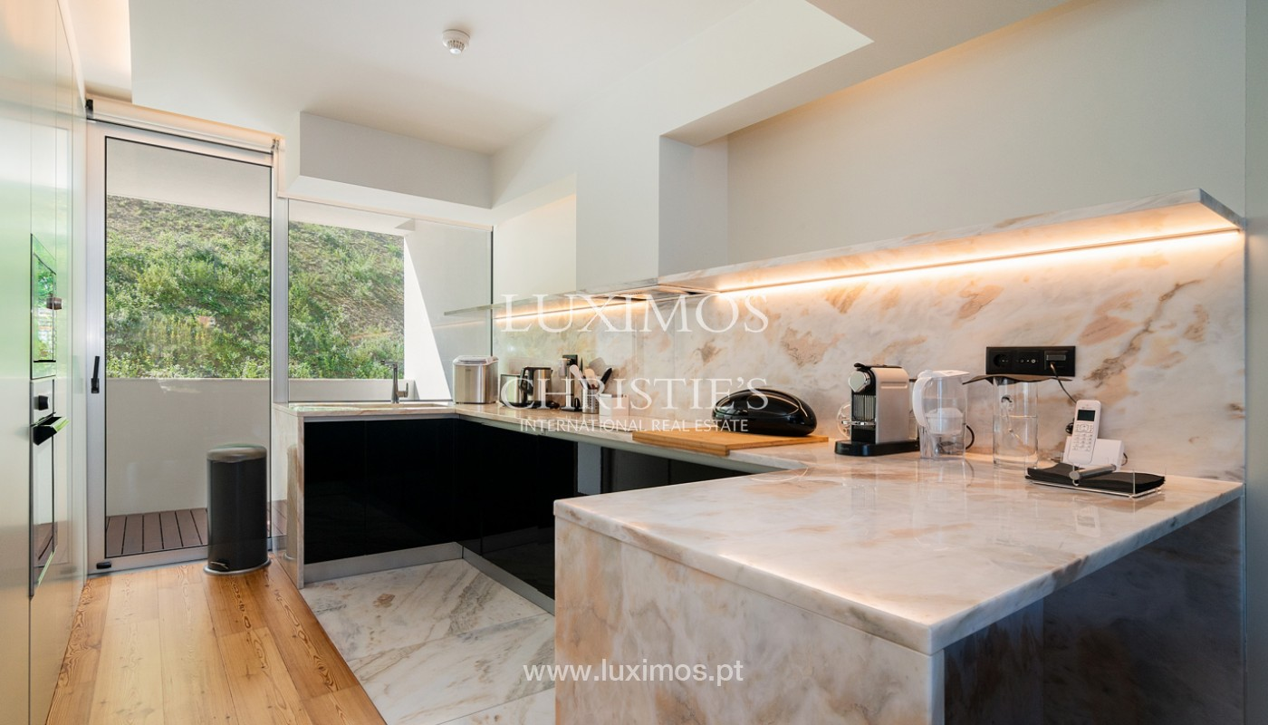 Sale of luxury apartment with river views, V. N. Gaia, Porto, Portugal_180210