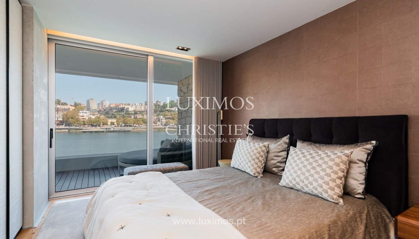 Sale of luxury apartment with river views, V. N. Gaia, Porto, Portugal_180211