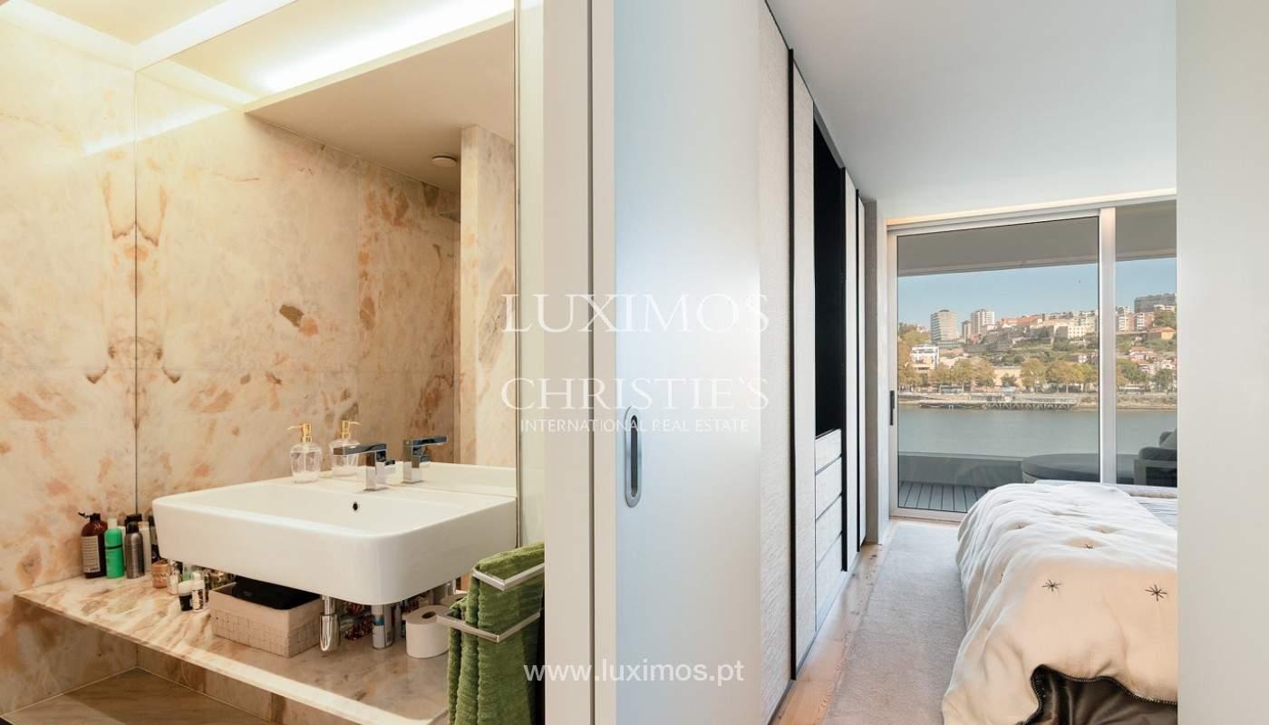 Sale of luxury apartment with river views, V. N. Gaia, Porto, Portugal_180214