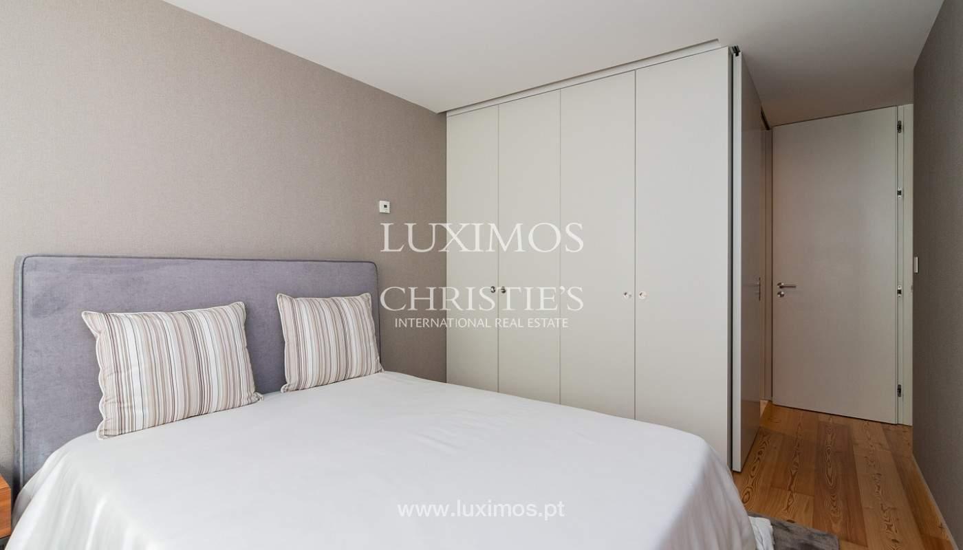 Sale of luxury apartment with river views, V. N. Gaia, Porto, Portugal_180215