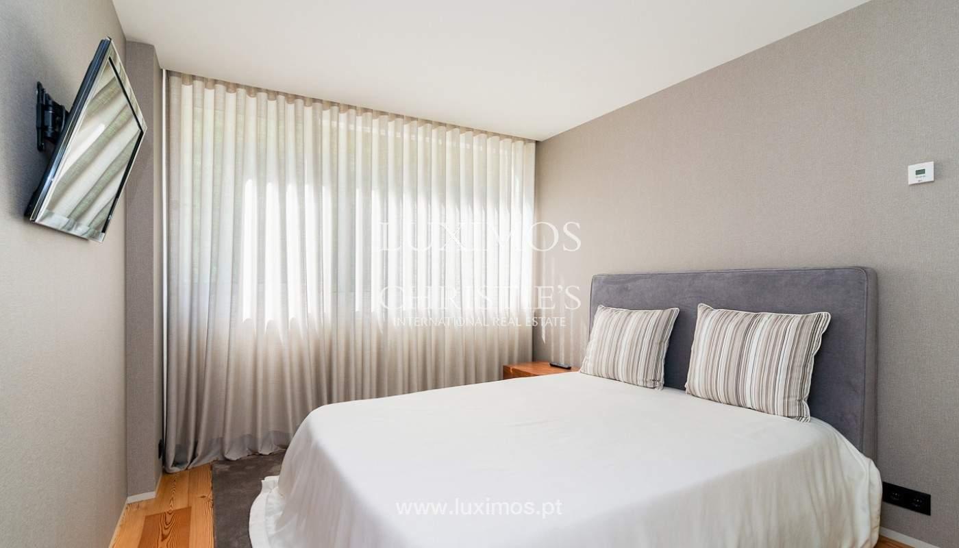Sale of luxury apartment with river views, V. N. Gaia, Porto, Portugal_180216
