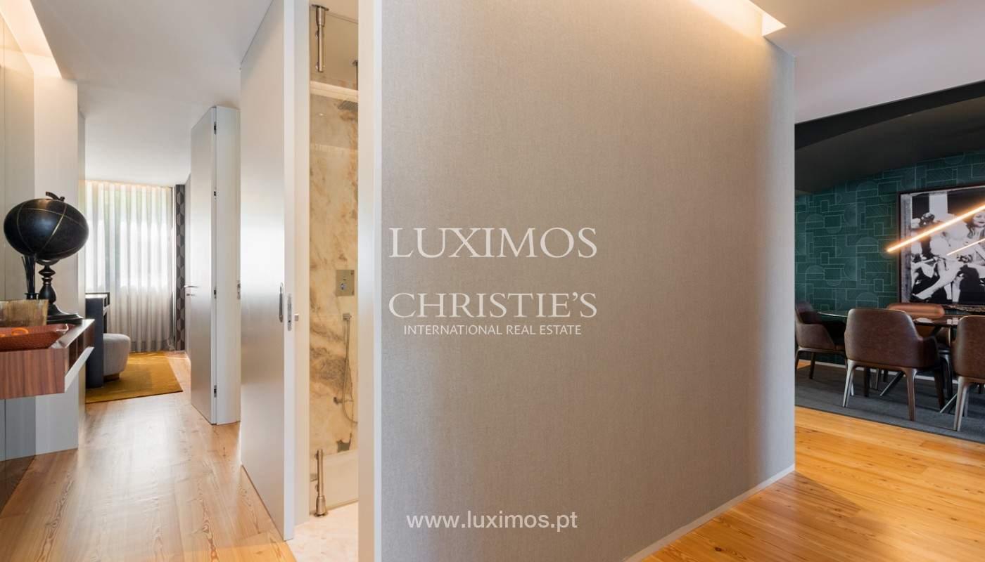 Sale of luxury apartment with river views, V. N. Gaia, Porto, Portugal_180219