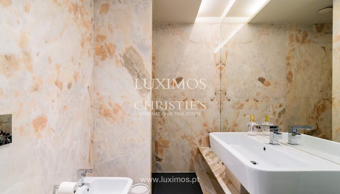 Sale of luxury apartment with river views, V. N. Gaia, Porto, Portugal_180222