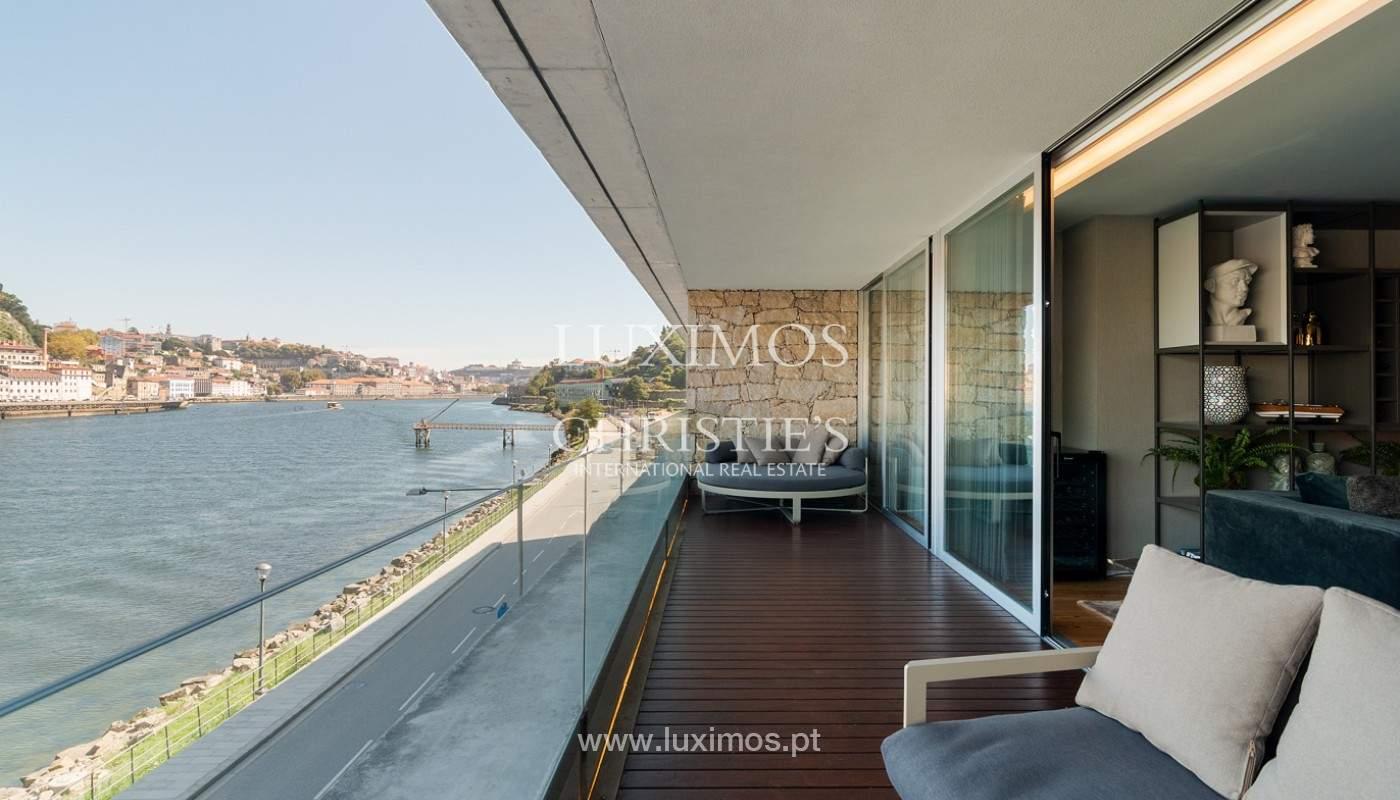 Sale of luxury apartment with river views, V. N. Gaia, Porto, Portugal_180223