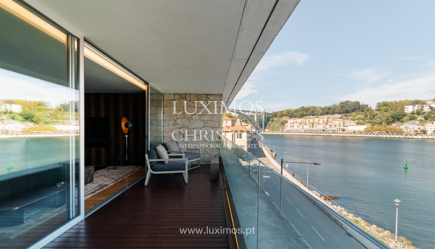 Sale of luxury apartment with river views, V. N. Gaia, Porto, Portugal_180224