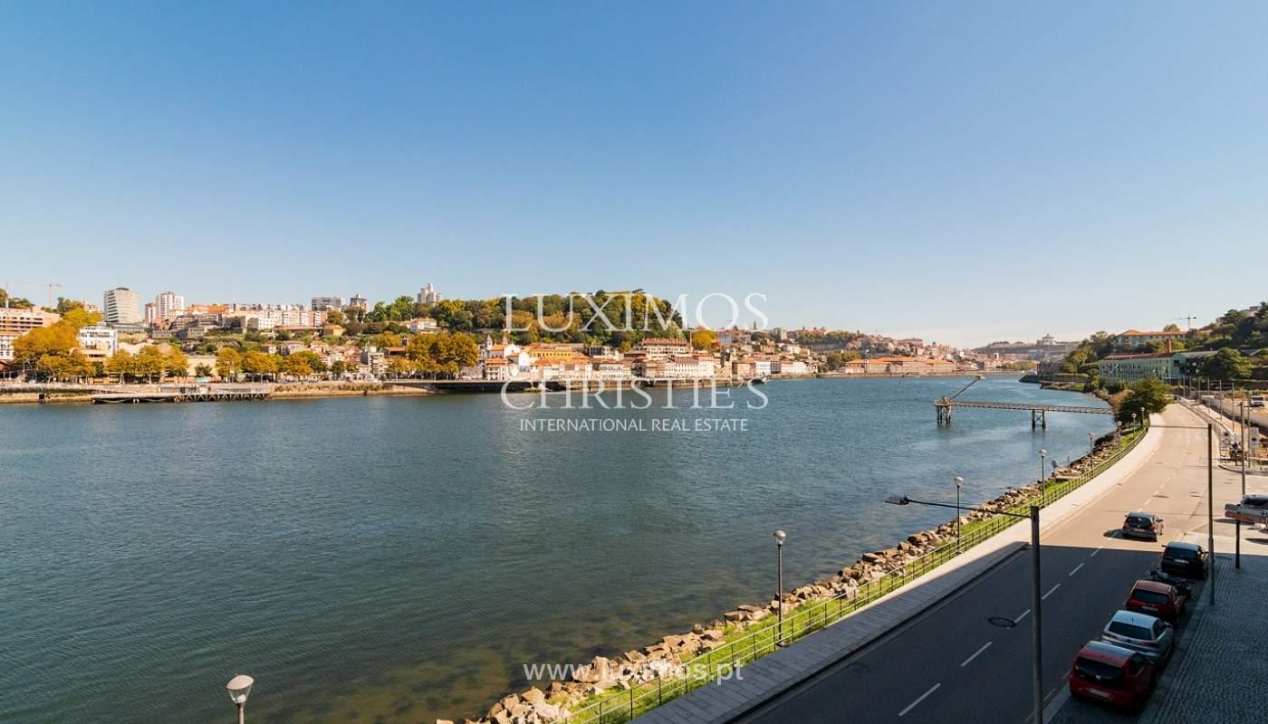 Sale of luxury apartment with river views, V. N. Gaia, Porto, Portugal_180226