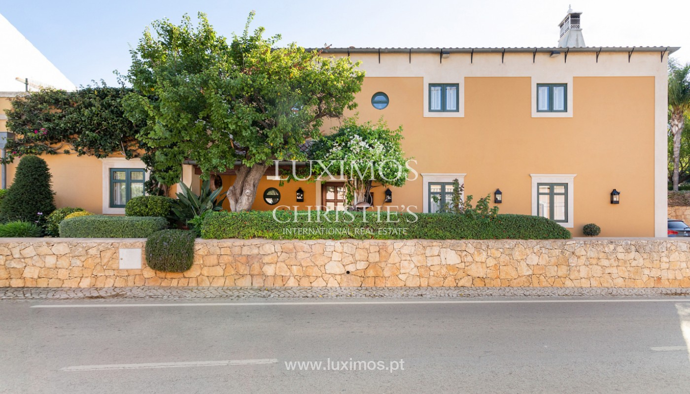 Fantastische Villa mit Garten und Pool und Gebäude für gewerbliche Tätigkeit, Algarve_180315