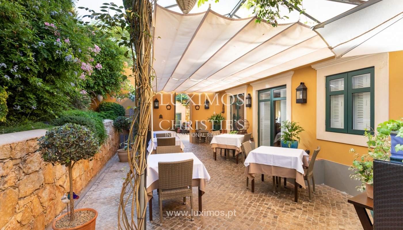 Fantastische Villa mit Garten und Pool und Gebäude für gewerbliche Tätigkeit, Algarve_180322