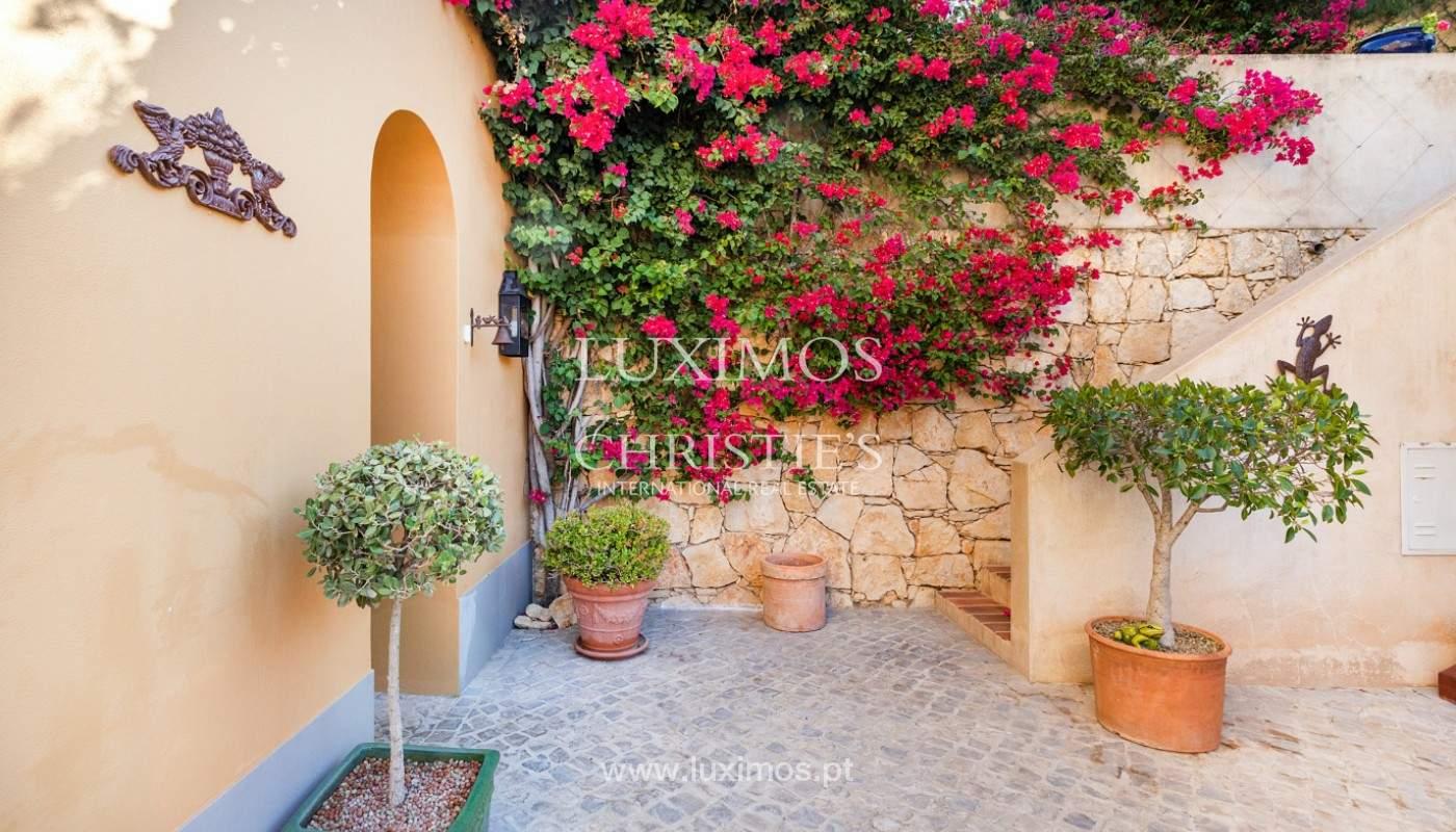 Fantastische Villa mit Garten und Pool und Gebäude für gewerbliche Tätigkeit, Algarve_180323