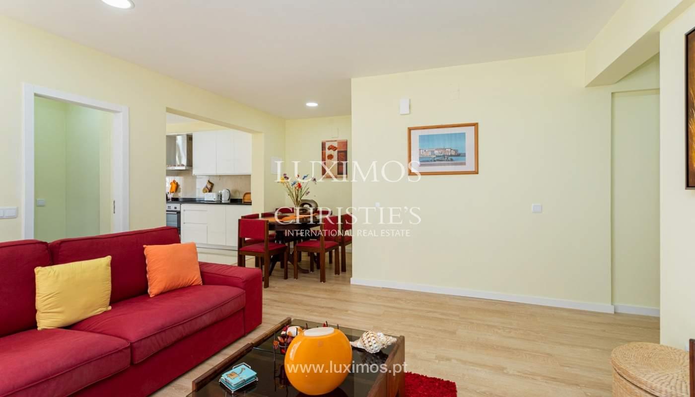 4 bedroom apartment on the 1st line of Armação de Pêra Beach, Algarve_180384