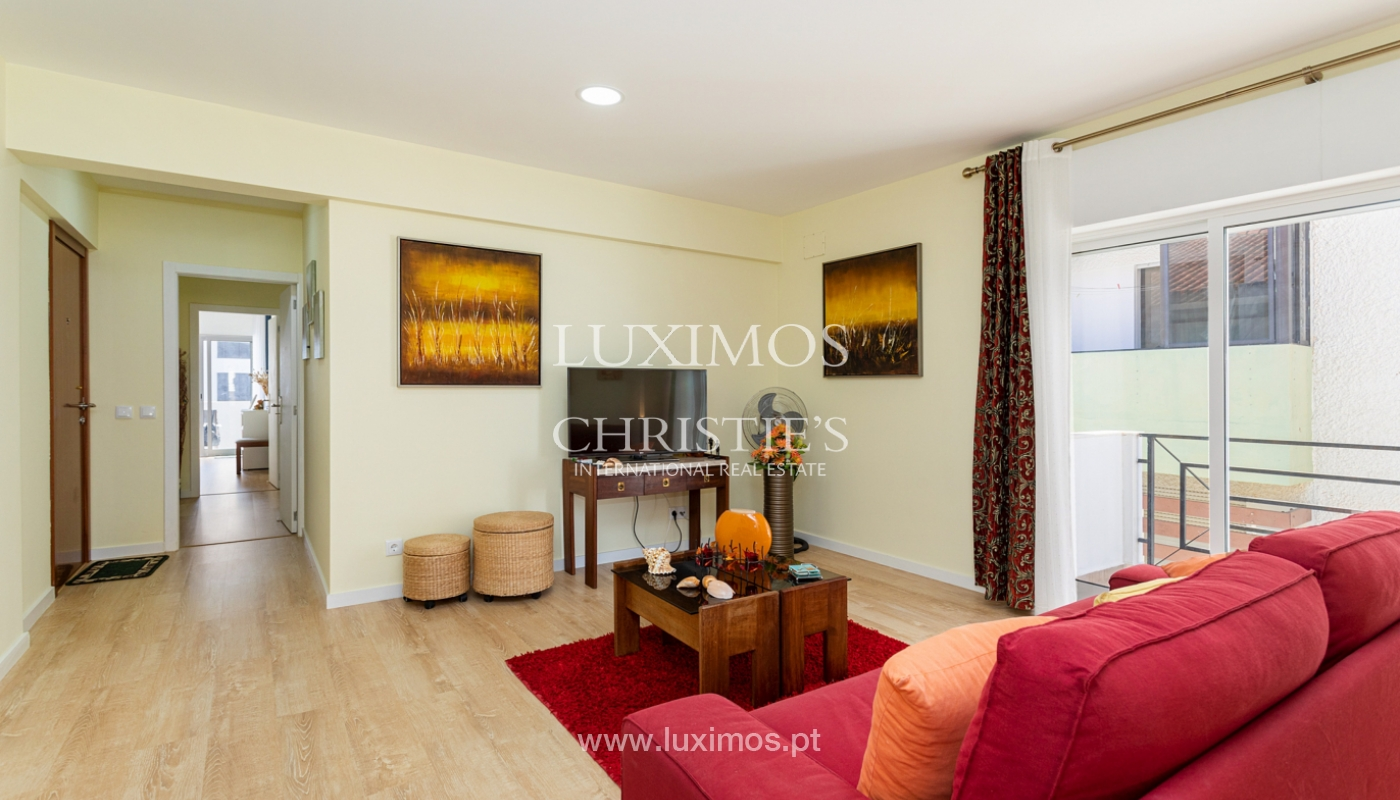 4 bedroom apartment on the 1st line of Armação de Pêra Beach, Algarve_180385