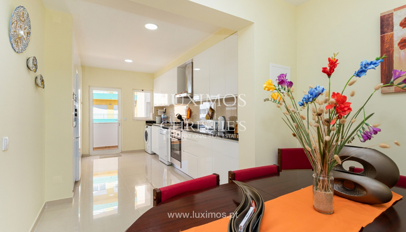 4 bedroom apartment on the 1st line of Armação de Pêra Beach, Algarve_180386