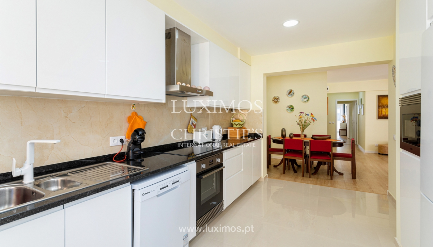 4 bedroom apartment on the 1st line of Armação de Pêra Beach, Algarve_180387