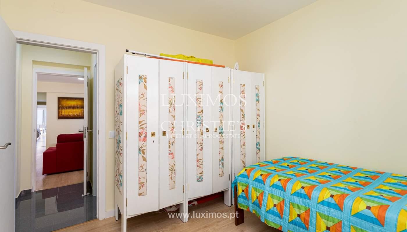 4 bedroom apartment on the 1st line of Armação de Pêra Beach, Algarve_180397