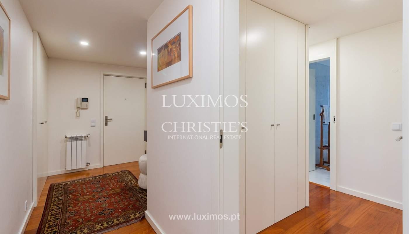 Apartamento renovado com varanda, para venda, na Foz do Douro_180488