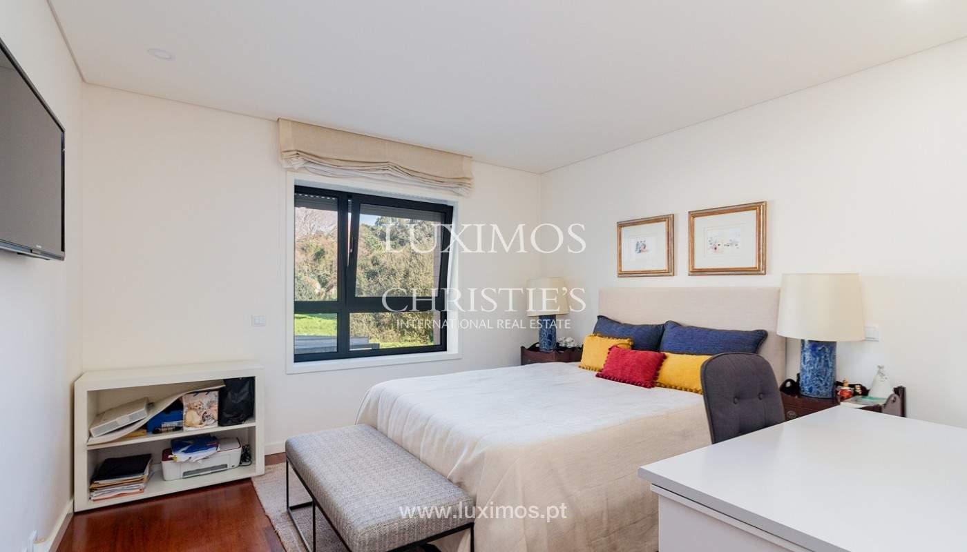 Apartamento renovado com varanda, para venda, na Foz do Douro_180497