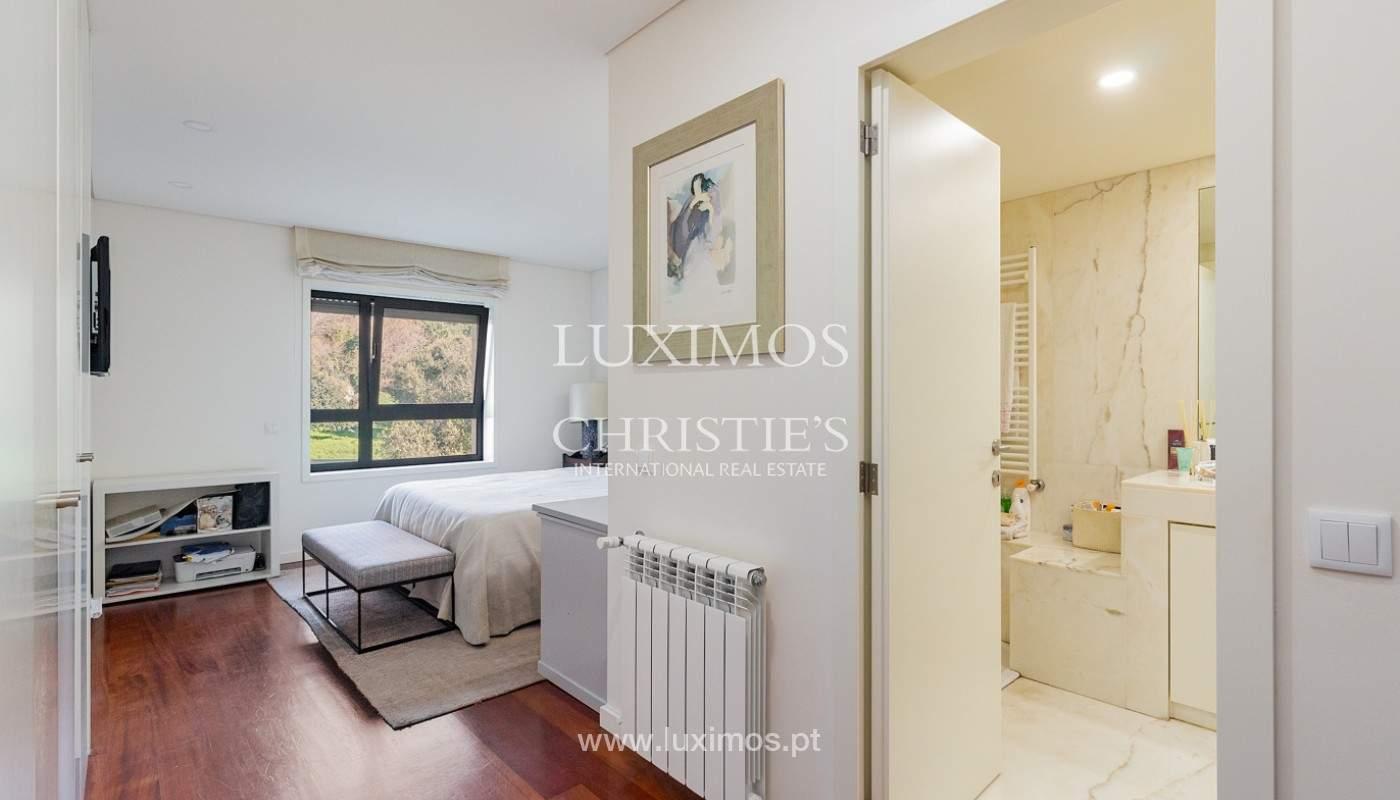 Apartamento renovado com varanda, para venda, na Foz do Douro_180498
