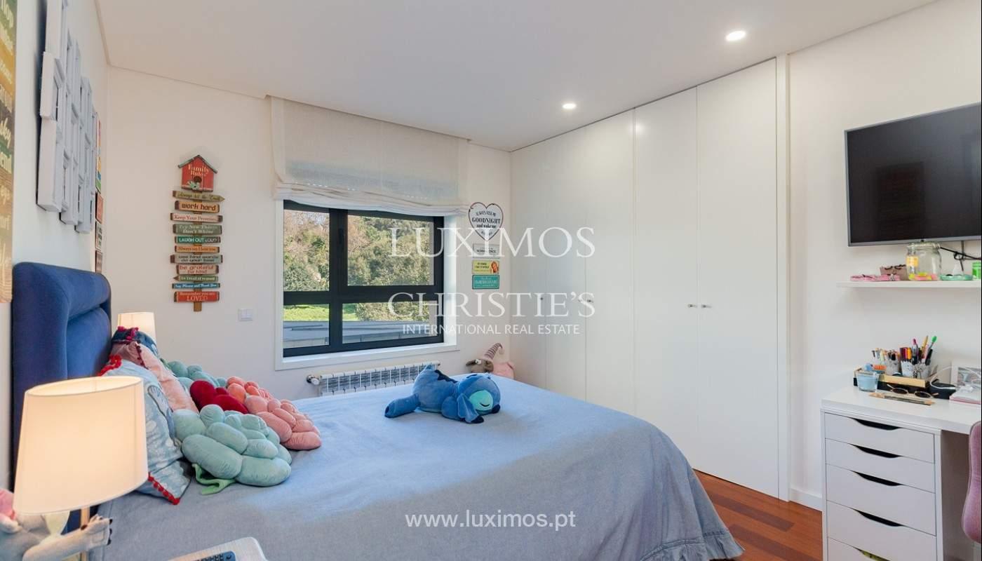 Apartamento renovado com varanda, para venda, na Foz do Douro_180499