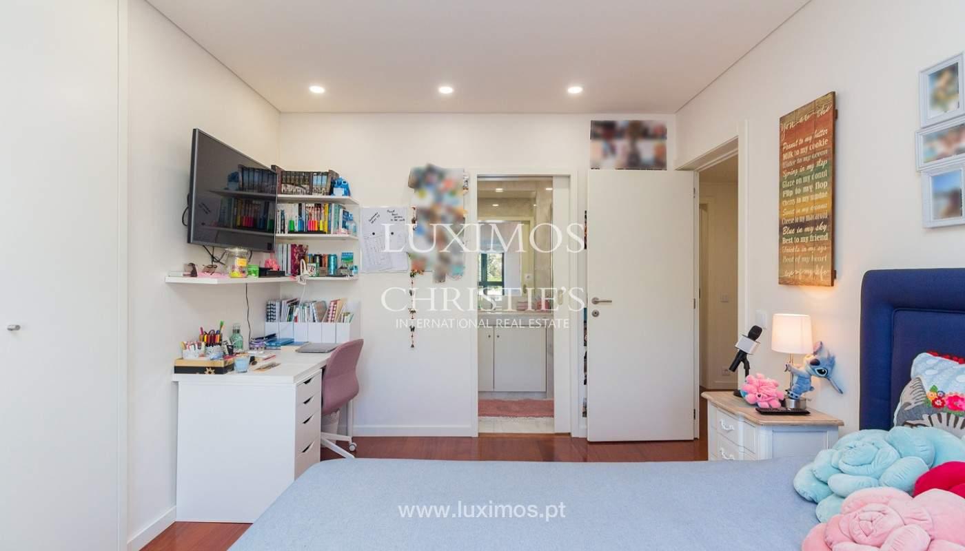 Apartamento renovado com varanda, para venda, na Foz do Douro_180500