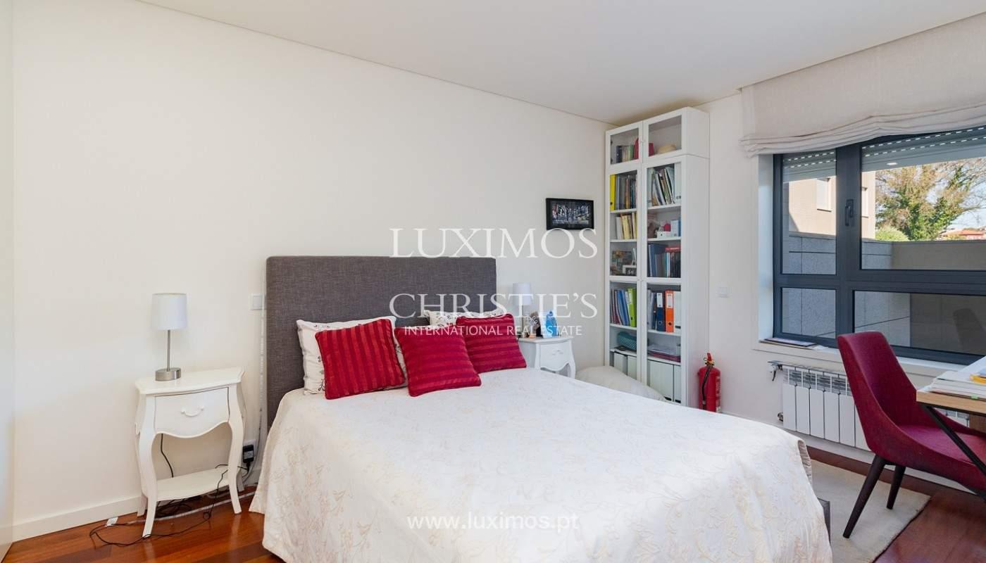 Apartamento renovado com varanda, para venda, na Foz do Douro_180501
