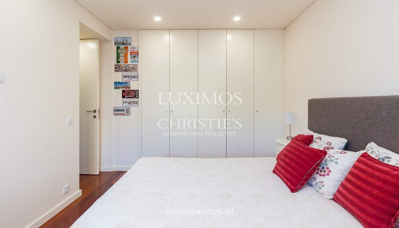 Apartamento renovado com varanda, para venda, na Foz do Douro_180504